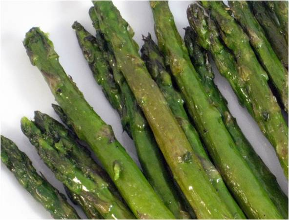 Simple and Delicious Roasted Asparagus