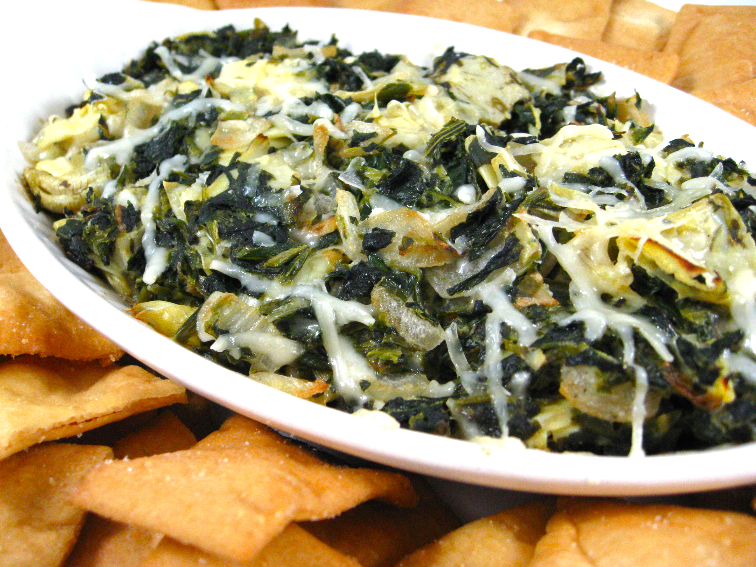 Skinny Hot Spinach and Artichoke Dip