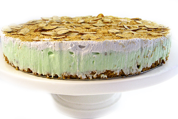 It S So Light And Tasty With Rich Pistachio Almond Flavors I Made This Skinny By Using Reduced Fat Er In The Crust Milk