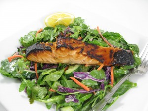 asian-salmon-and-spinach-salad-photo-300x225