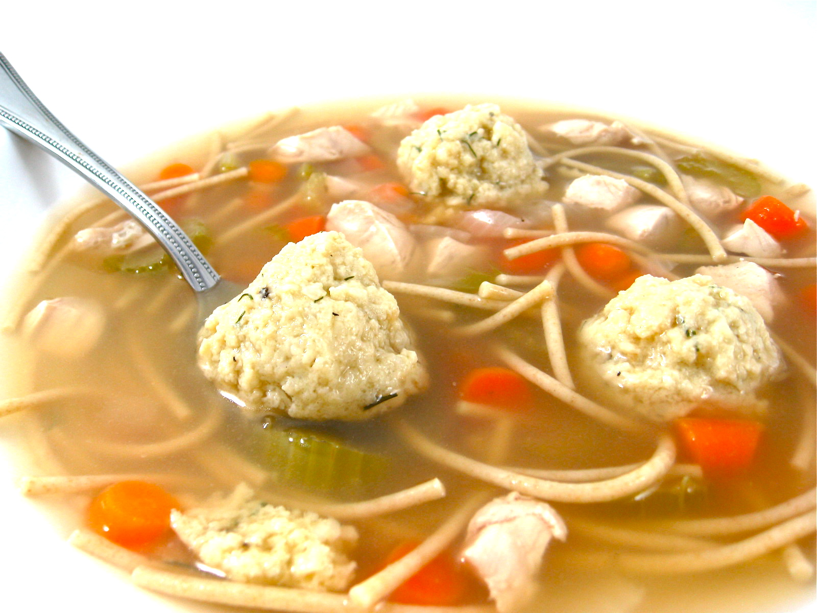 Skinny Matzo Ball Soup with Weight Watchers Points | Skinny Kitchen
