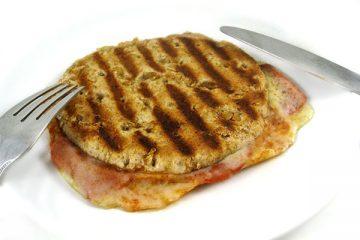 pepperoni-stuffed-pizza-melt
