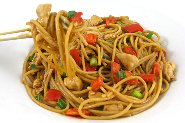 Skinny Thai Chicken and Peanut Noodles.jpg